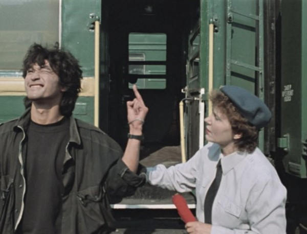 Unusually for a Soviet-era film, The Needle has barely any authority figures on-screen, save for a train conductor to whom Tsoi gives the finger.